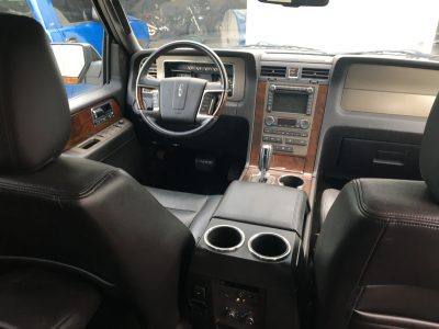 interior 2014 Lincoln Navigator