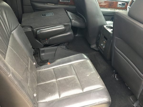 2014 Lincoln Navigator leather seats